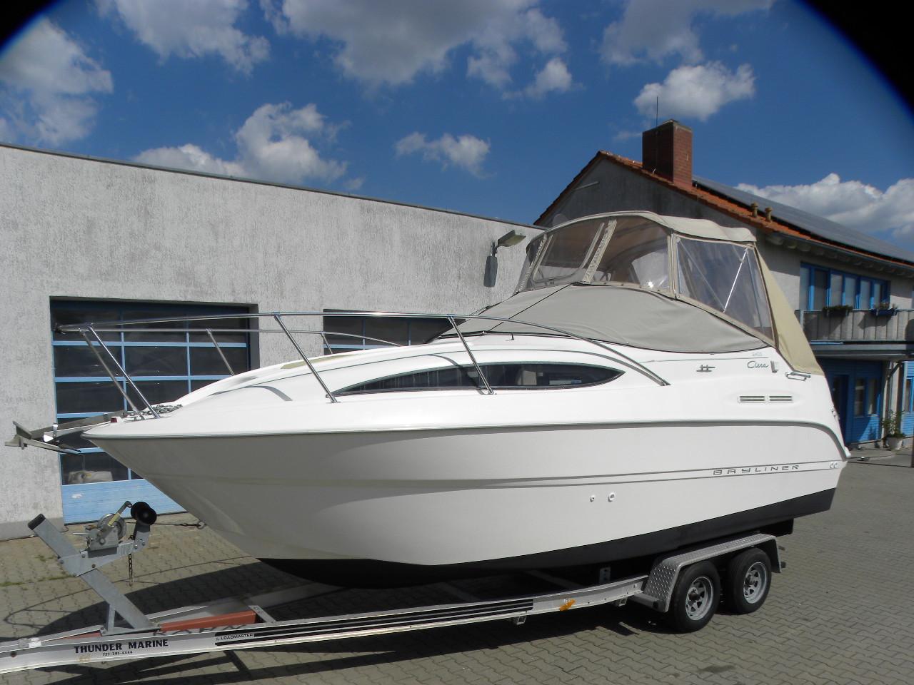Sportboot Bayliner 2455 mit Klima+ Heizung