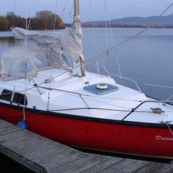 Segelboot für Liebhaber älterer Boote plus Trailer