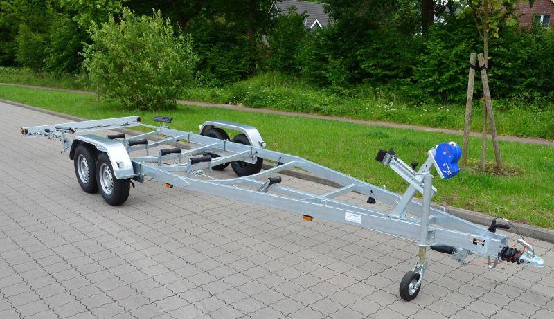 Bootstrailer für Boote bis ca. 7,50 m – Nutzlast ca. 2210 kg