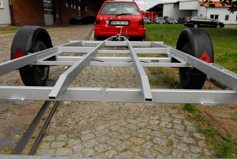 Bootstrailer Bootsanhänger 1100 kg TÜV neu, gebremst, grünes Kennzeichen