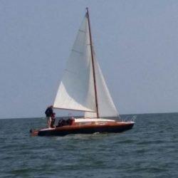 Jollenkreuzer Segelboot Hubkieler Kajütboot