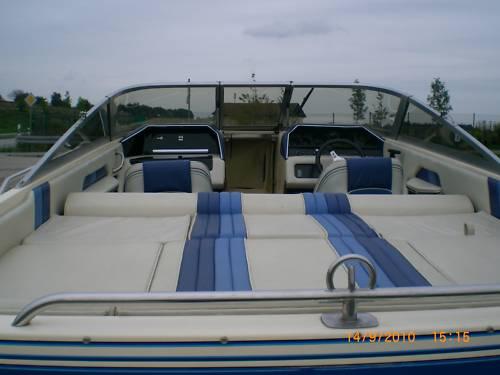 Sportboot Sea Ray (große Liegefläche) top gepflegt incl. Trailer