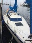 Segelboot Friendship 26 startbereit für Familie mit 2 Kindern