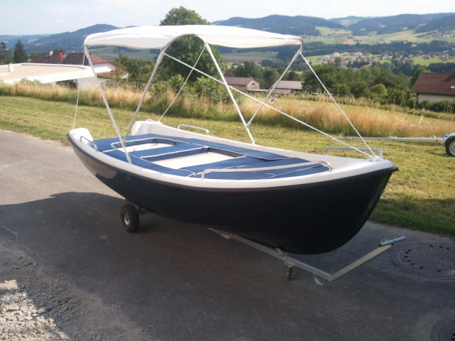 NEUES 430 x 170 cm GFK Boot Angelboot Fischerboot Ruderboot Motorboot 15 PS / Lod Lodi Clun