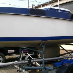 Segelboot Trailer Außenborder