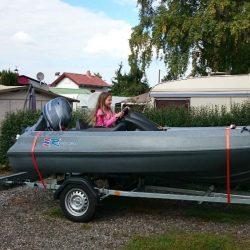Kleines schnelles Motorboot/Sportboot Polyethylen Baujahr 2014