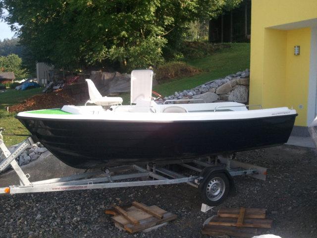 NEUES 460 x 180 mit 4 Sitzbasen Konsole Steuerstand Motorboot Angelboot Elektroboot Fischerboot GFK Boot mit Angelsitz Konsolenboot